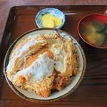 まつもと食堂 - 料理写真:カツ丼 800円