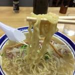 93669499 - プリプリの縮れ麺!