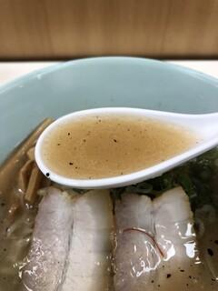 我流麺舞 飛燕 - 我流札幌塩らーめんのスープ