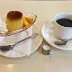 93671803 - プリンとコーヒー