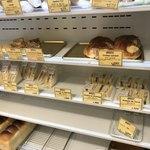 ビゴの店 - パンの棚