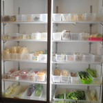 應心 麻辣湯 - 冷蔵庫から好きな具材を選びます