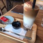 キッサ マシマロ - ドリンク写真:コーヒーゼリーカフェオレ