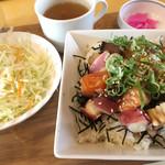 みみずく25 - 海鮮丼(タコの割合多し