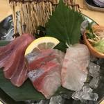 魚の酒場 魚すけ - プチ刺身3種盛 790円