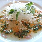 ピッツェリア・フーモ - 真鯛のカルッパチョ とびっことわけぎのソース