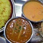 インドレストラン ガンジーパレス - 料理写真:ランチBセット(鶏ひき肉&海老・ライス:700円)