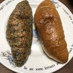 デリショップ 西洋銀座 - 塩バターフランス(プレーン&黒ごま)291円