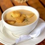 シーサイドリストランテ - シーフードビスク スープ(4$)