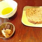 たそかれ珈琲 - トーストとオリーブオイル
