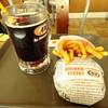 A&W - 料理写真:チーズバーガーとスーパーフライSコンボ