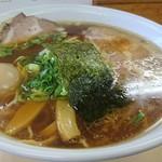 93712444 - 【醤油チャーシューメン】¥1,050【大盛り】¥150【ネギ(九条ネギ)W】¥50に、食べログクーポン提示で、味玉無料!