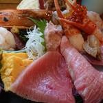 野口鮮魚店 - 朝一築地丼中盛り