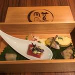 93729360 - 季節の前菜詰め合わせ「玉手箱」
