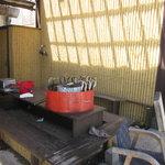 那須高原 麺の匠 - 鮎を焼いています