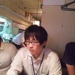 七甲山 渋谷道玄坂店 - 店内はテーブルが数席ございます。M山氏はお疲れ気味?