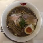 ラーメンモリン - 料理写真:煮干しの醤油ラーメン 680円