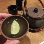 築地日本海 - 旨味がぐっと凝縮された汁は、最高に美味い!