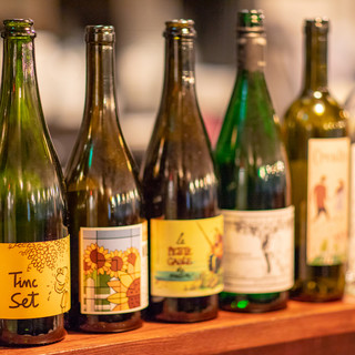ソムリエ厳選!自然派ワインと逸品料理のペアリングを愉しむ◎
