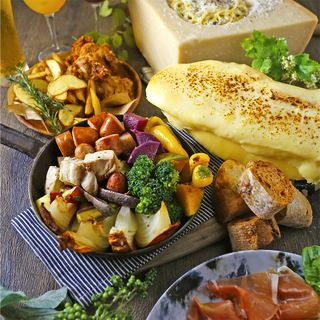 大人気の「とろとろラクレットチーズプラン」ご予約受付中!