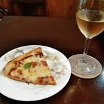 リエージュ - カッとピザ&jハウスワイン
