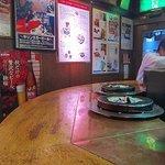 だるま - 昭和の雰囲気がプンプン漂う店内
