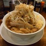 ラーメンとスタミナ丼 直成 - ラーメン 650円(野菜増し ニンニク増し)