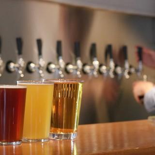 """""""クラフトビール""""の世界を覗く◆国内外の樽生ビールで乾杯…!"""