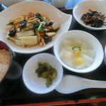 トータス - 料理写真:サービスランチ八宝菜1080円