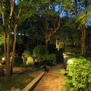 先代の想いを継いだ和風庭園の美しい景色を望む極上のひと時を。