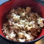 炭火焼肉 金城 - ランチのご飯は白米とチャーハン?