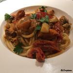 アリーブ - 赤皿貝とドライトマトのスパゲトーニ