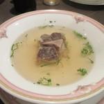 牛王 - スープは牛肉のテールスープ、この店自慢の一品で参加者が皆美味しいと話してました。