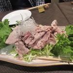 牛王 - 次は豚シャブ、どうやら此れはお店からの私達へのサービスの一品みたいでした、有難うございます。