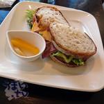 オルソンさんのいちご - 料理写真:『ハビーのサンドイッチ・ドリンク付き』  1080円