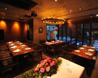 ノスタルジーテーブル - 団体様も多く着席の貸切パーティも人気