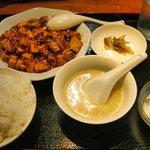 餃子・王 - 麻婆豆腐定食600円