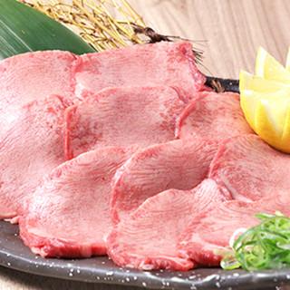 上質なお肉をたっぷり味わえる食べ飲み放題は3,980円~