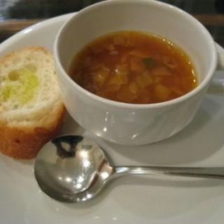La Pala - 料理写真:カップスープとパン