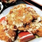お料理 御厨 - 若鶏の唐揚げに甘酢をかける。ご飯のお供に(夜定食)