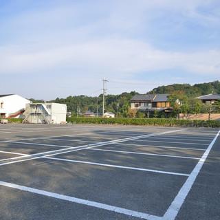 無料駐車場完備!150台収容可能