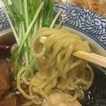 93804248 - 和風にぼしラーメン 麺UP