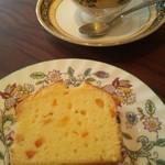 メイ カフェ - 自家製パウンドケーキ