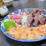黒潮丸 - 料理写真:2018年7月 さしみ(かつお、赤貝、コショウダイ)【?円】