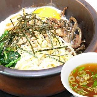 本場の味を安く・おいしく・早く!中華×韓国×台湾のコラボ実現