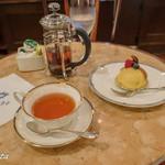 93818087 - お茶とケーキ