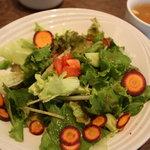 ベジキッチン やまつじ - 全てのランチにつくサラダ&スープ
