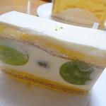 キャラント - 料理写真: マスカットのショートケーキ