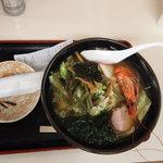お食事処 与三兵衛 - 料理写真:能登島五目ラーメン¥700