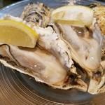 レ・ピコロ - 生牡蠣のレモン添え